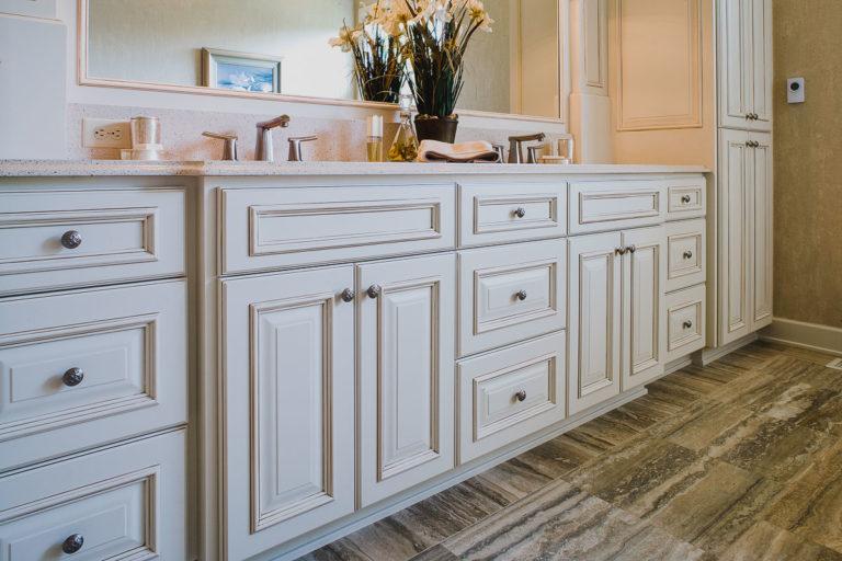 master bath, vanity cabinet, travertine tile floor