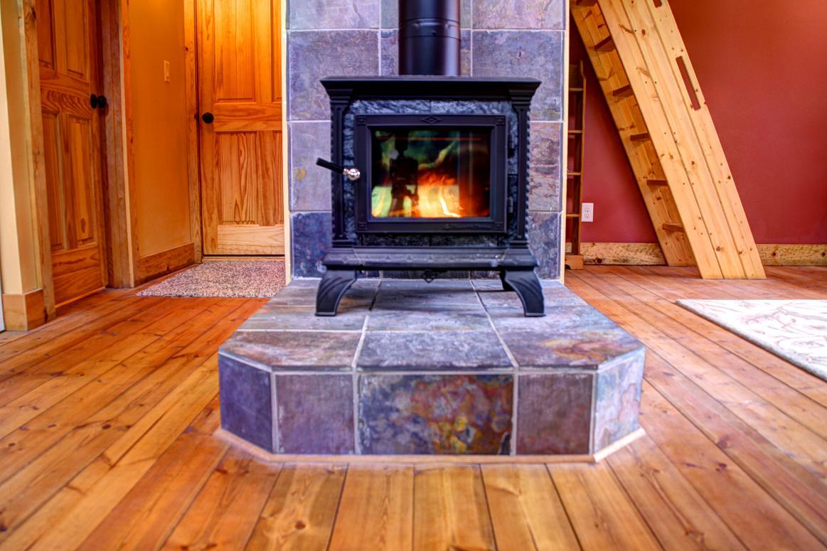 Sunnyview Cabin wood stove